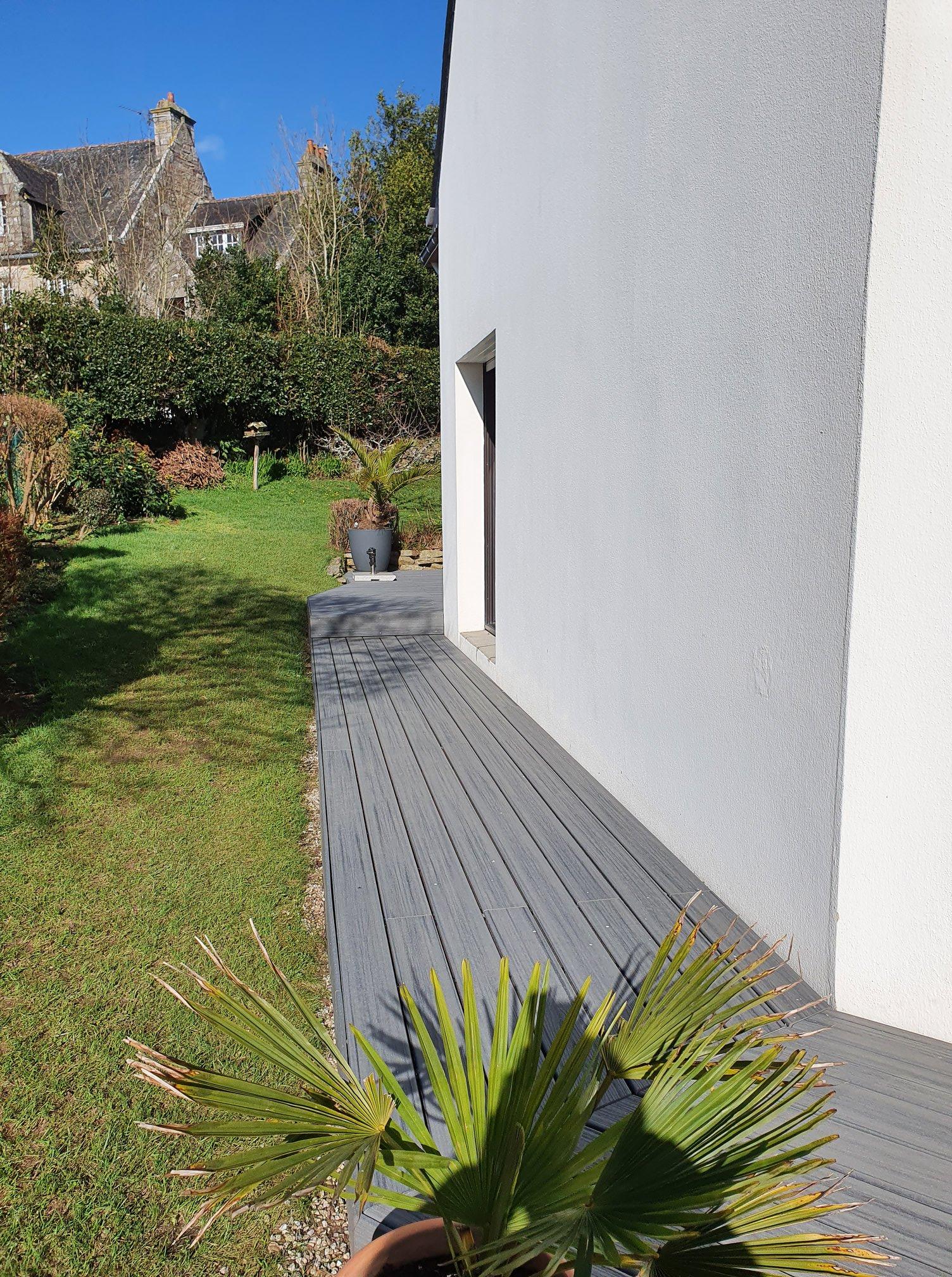 1626335829 596 Realisation dune terrasse en composite TREX de co - Réalisation d'une terrasse en composite TREX de co...