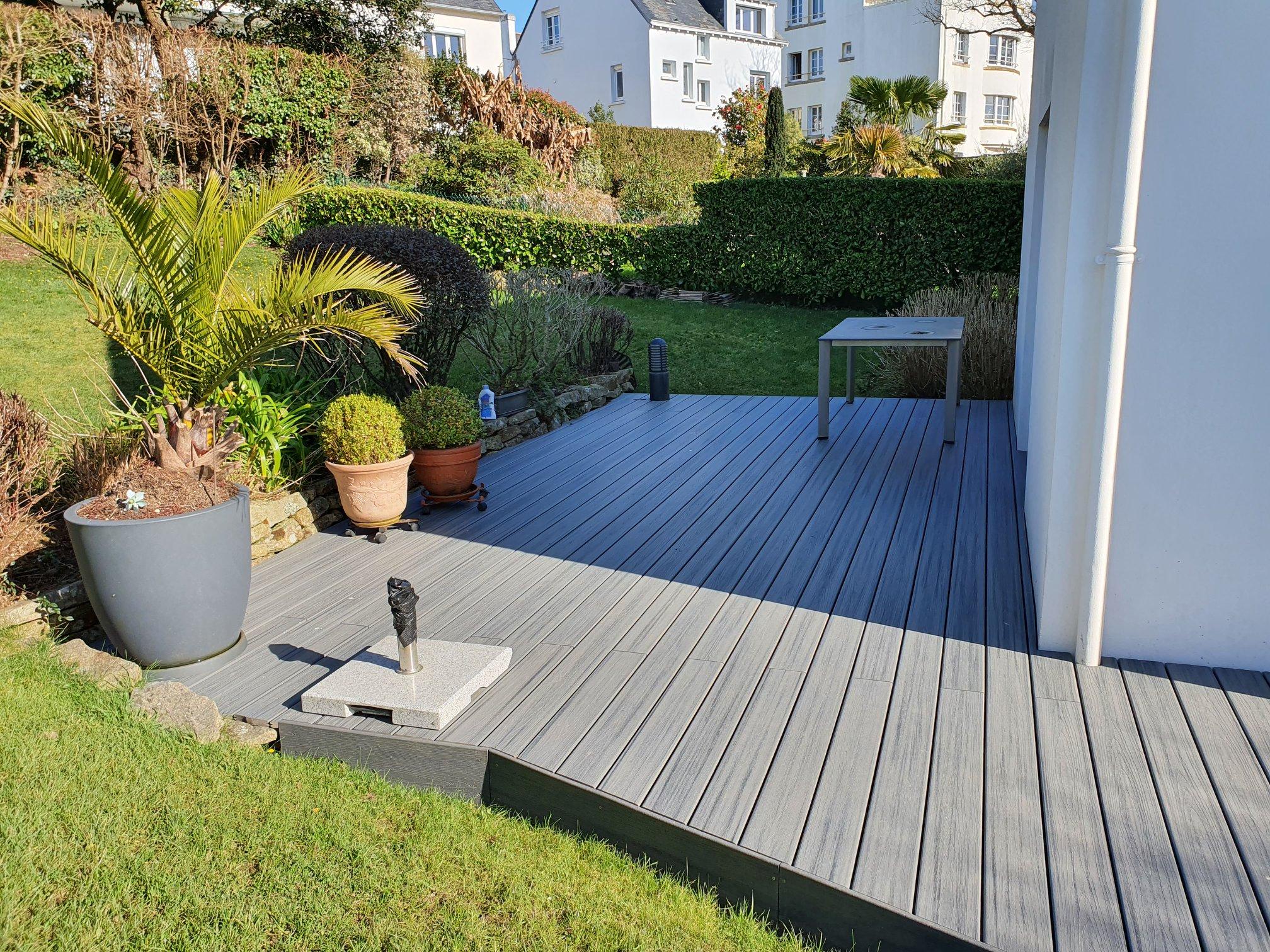 1626335829 832 Realisation dune terrasse en composite TREX de co - Réalisation d'une terrasse en composite TREX de co...